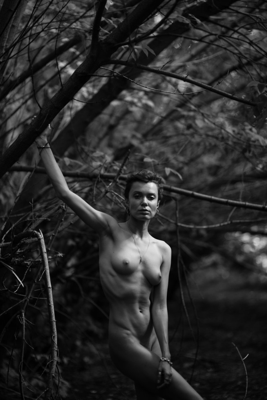 Oksana Chucha Nude (5 Photos)