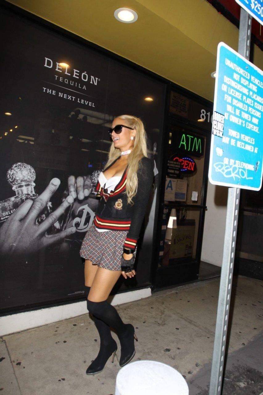 Paris Hilton Sexy (51 Photos + Video)