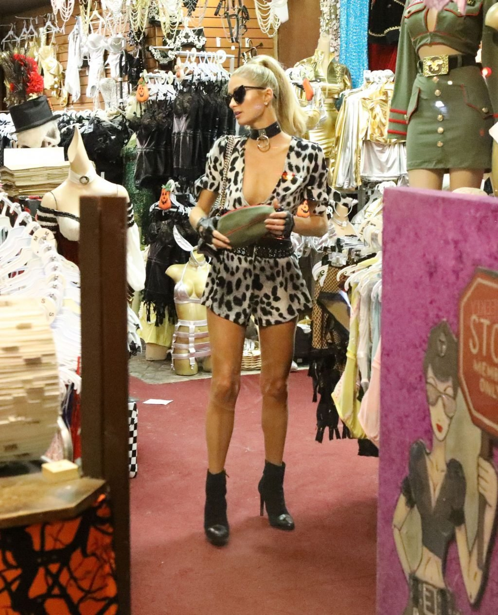 Paris Hilton Sexy (86 Photos)