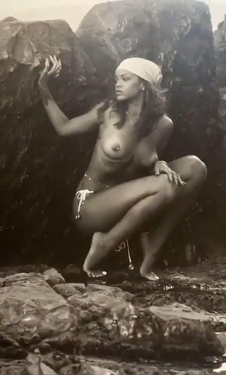 Rihanna nude pussy forum