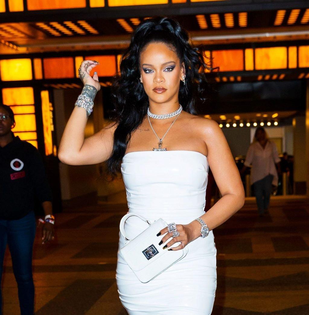 Rihanna Sexy (24 New Photos)