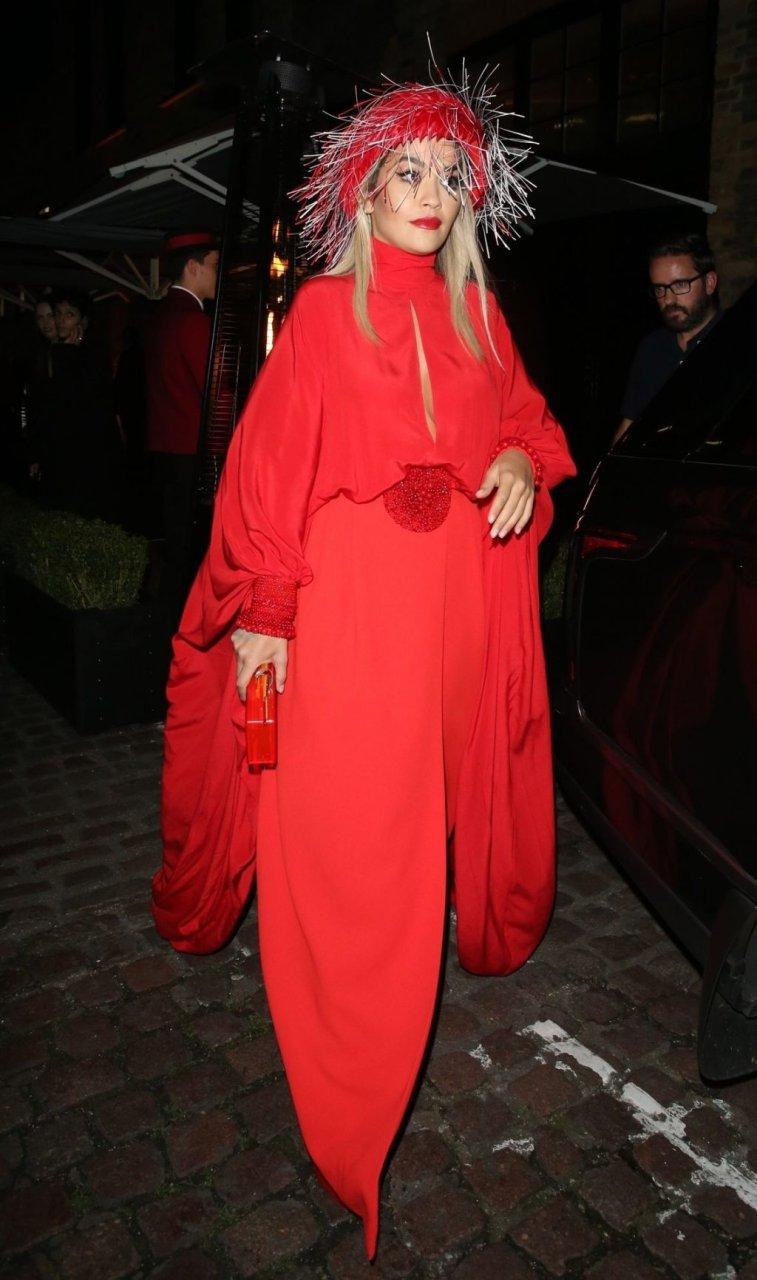 Rita Ora Upskirt & Cleavage (135 Photos)