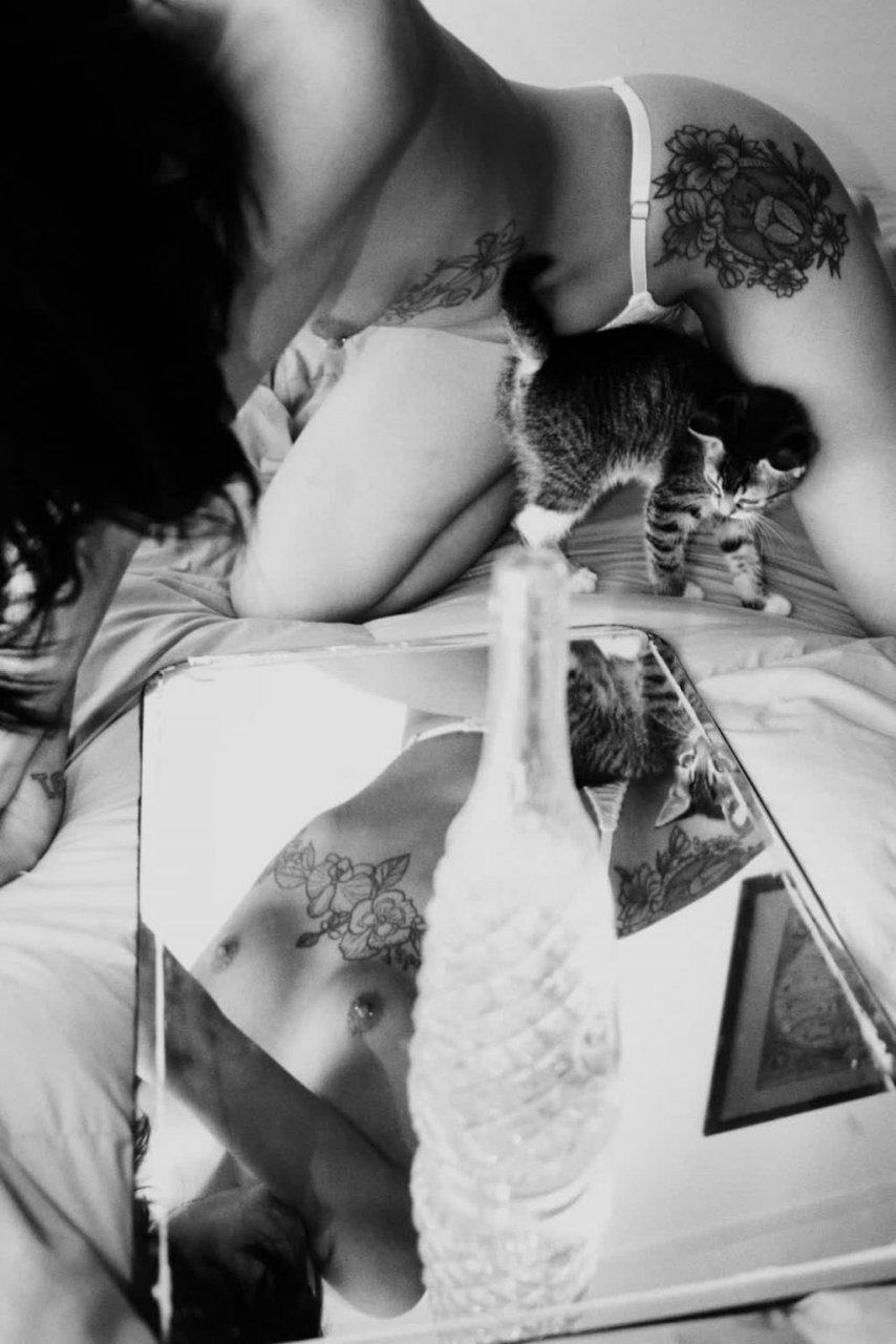 Selena Gomez Nude (10 Photos)