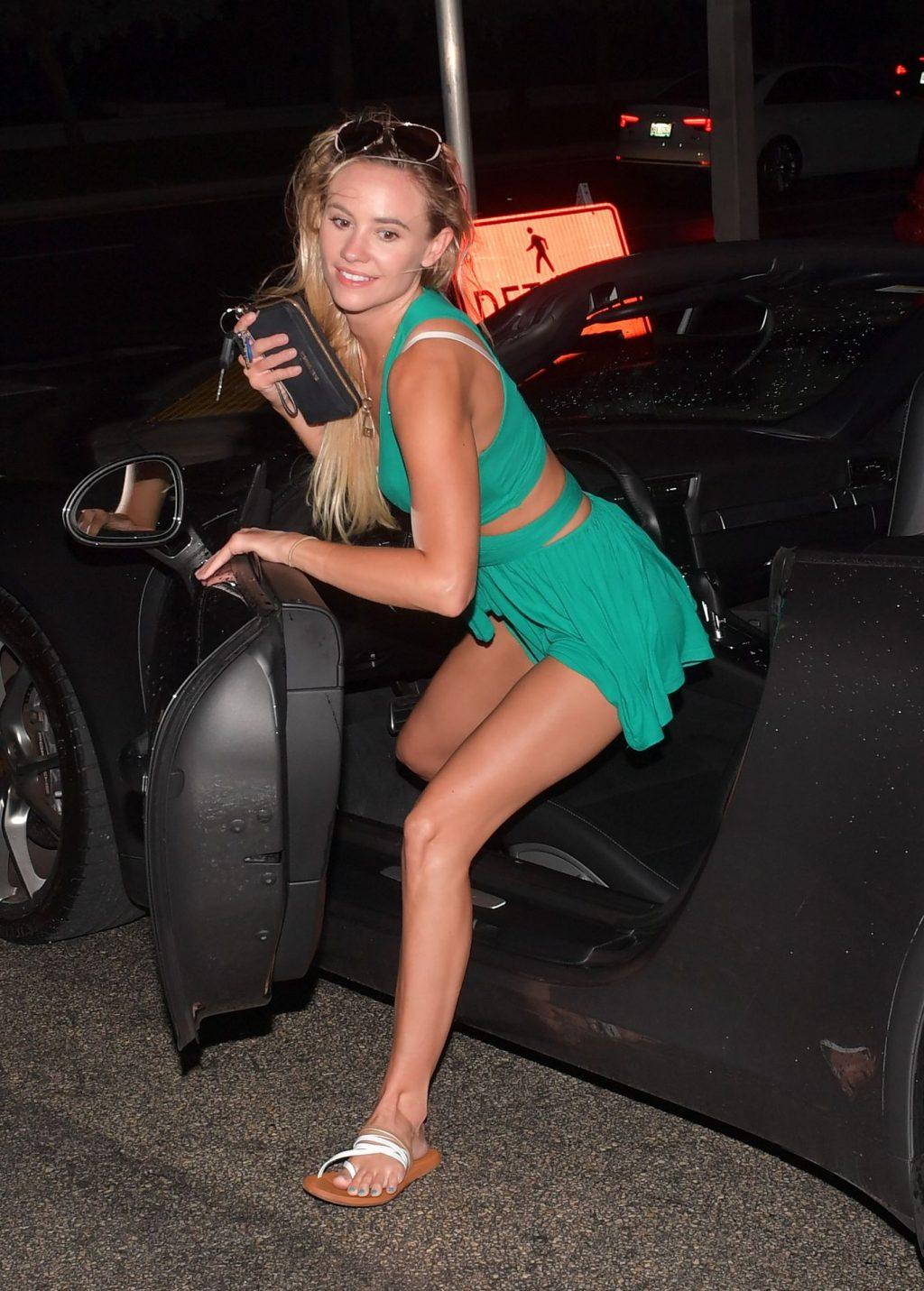Addie Andrews Sexy (22 Photos)