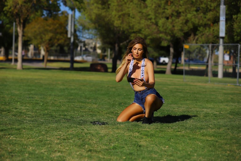 Ana Braga Topless (12 Photos)