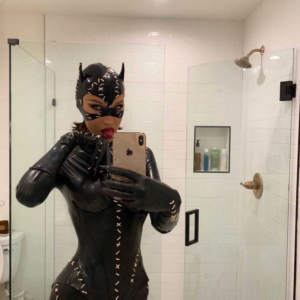 Bella Hadid Hot (11 Photos)