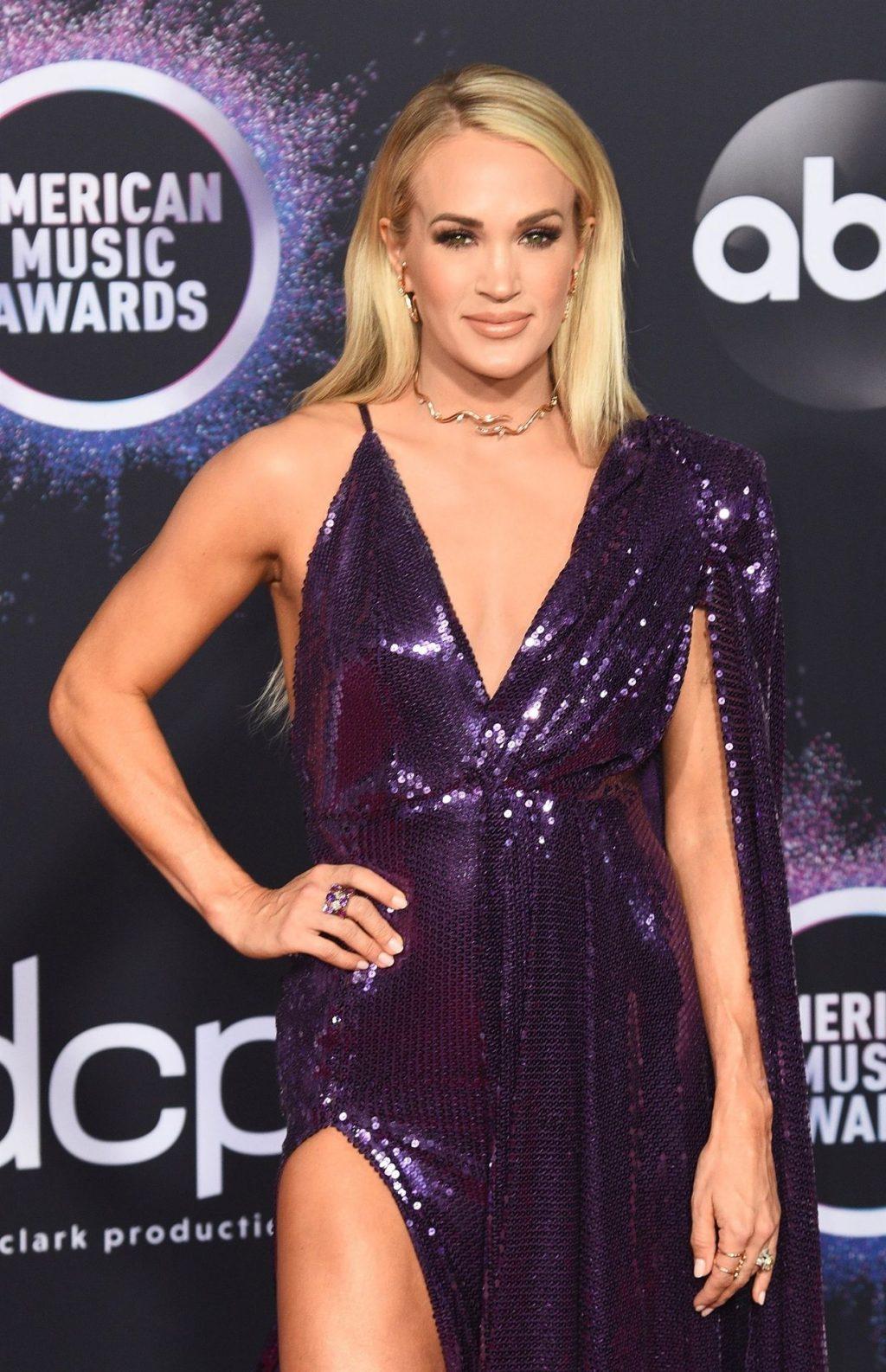 Carrie Underwood Sexy (80 Photos)