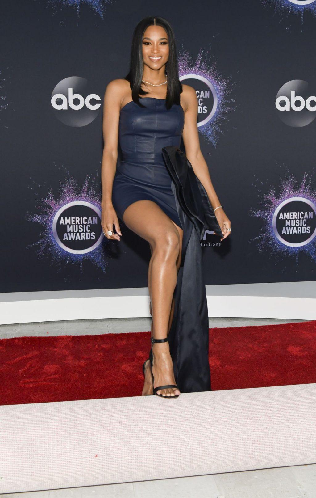 Ciara Sexy (54 Photos)