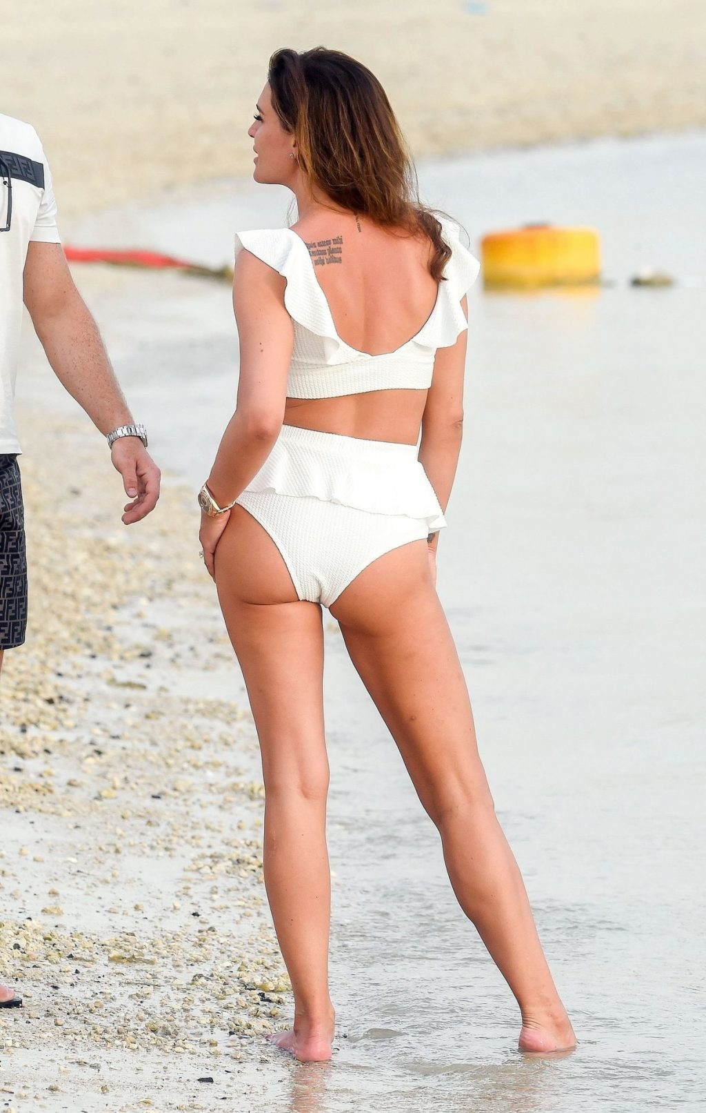 Danielle Lloyd Sexy (34 Photos)