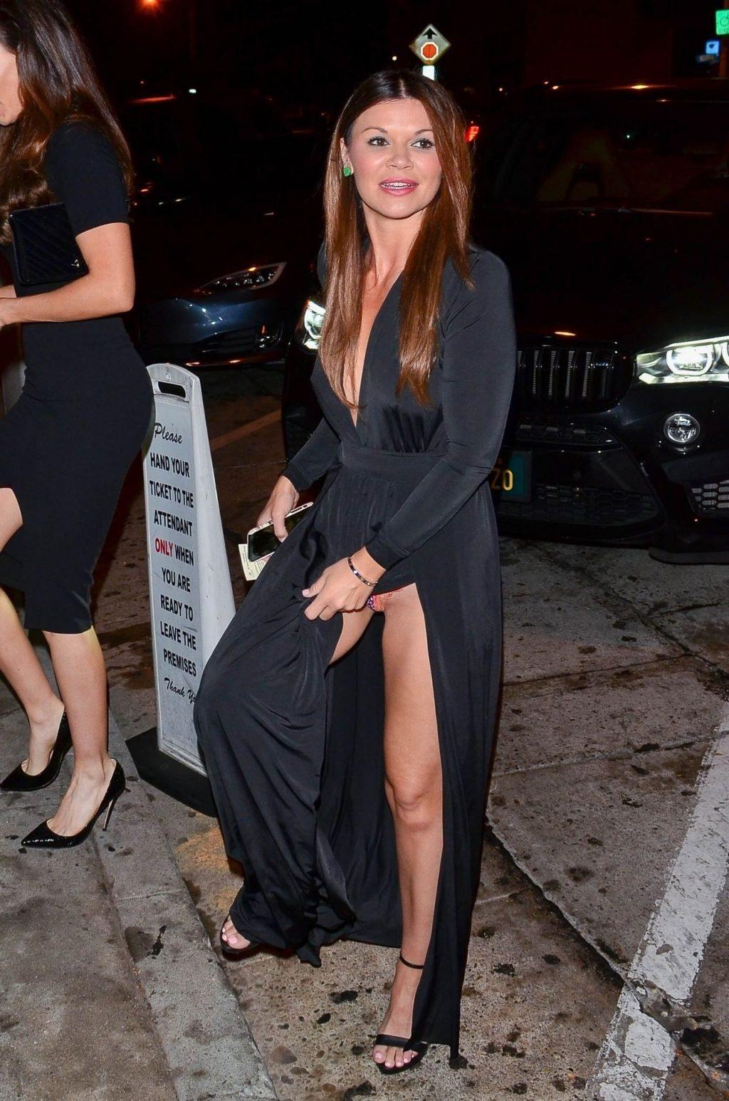 Danielle Vasinova Upskirt (33 Photos)
