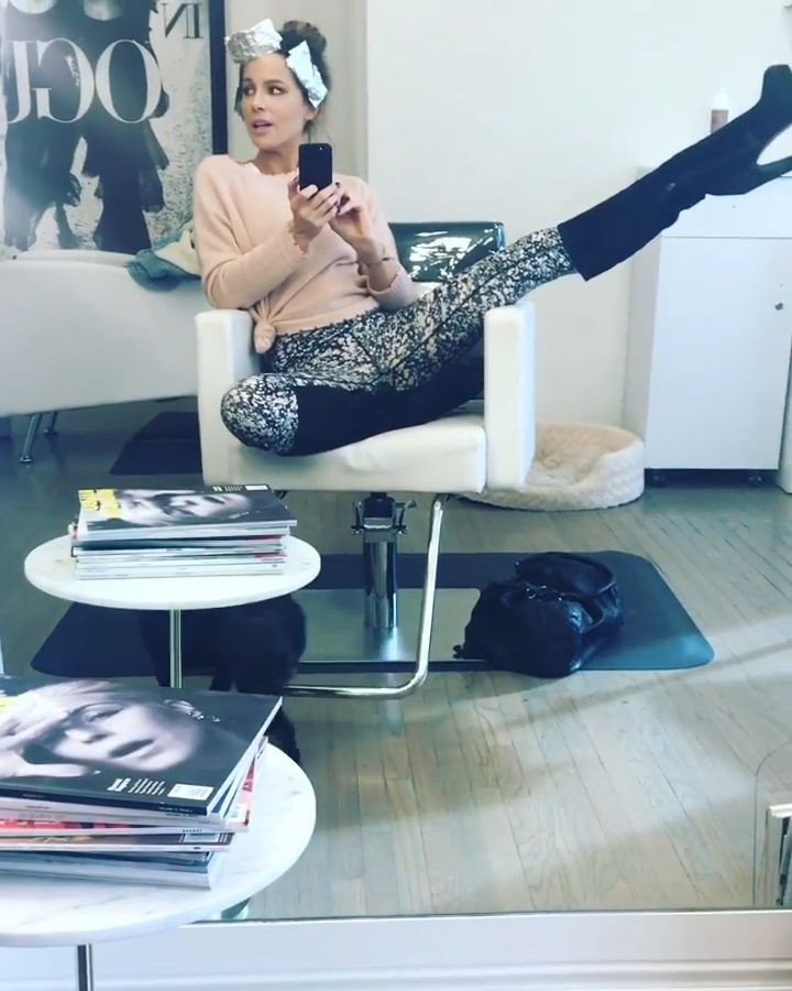 Kate Beckinsale Sexy (26 Photos + GIFs & Videos)