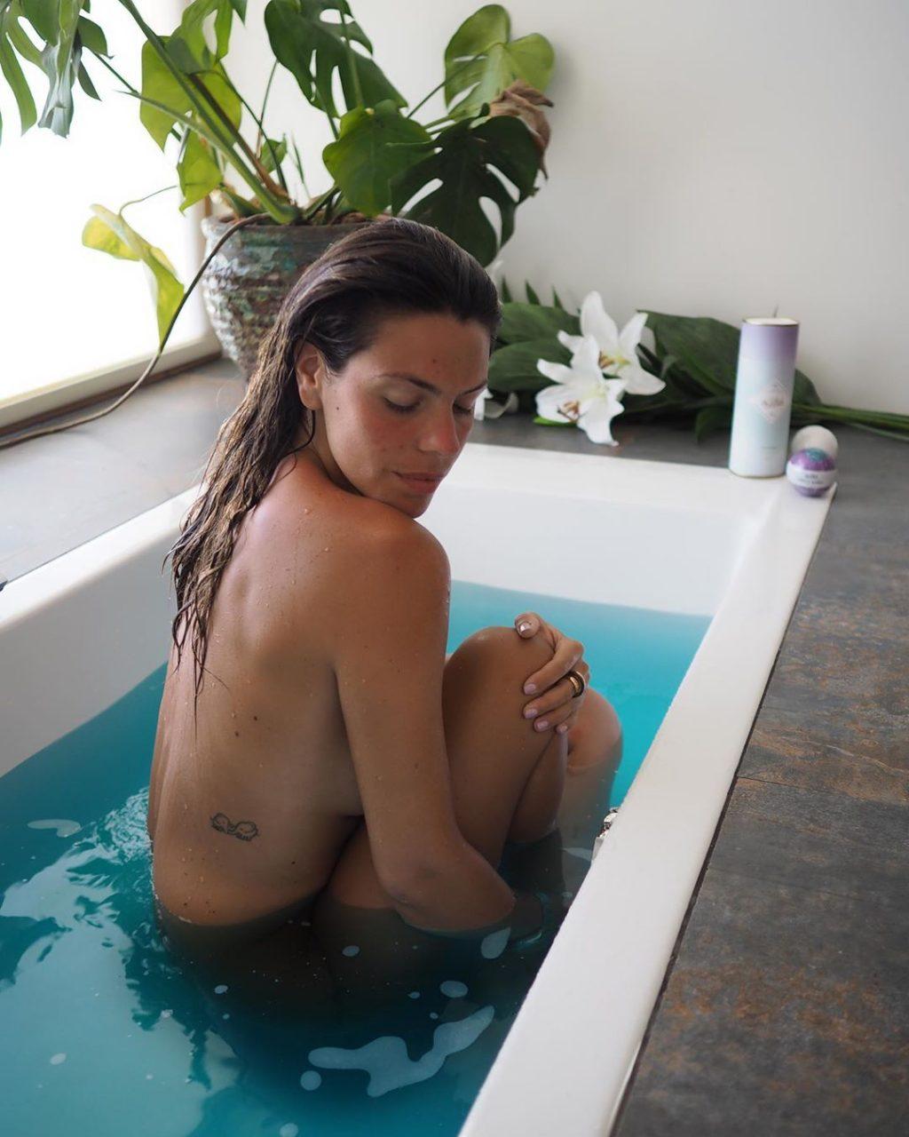 Laura Matamoros Sexy (28 Photos)