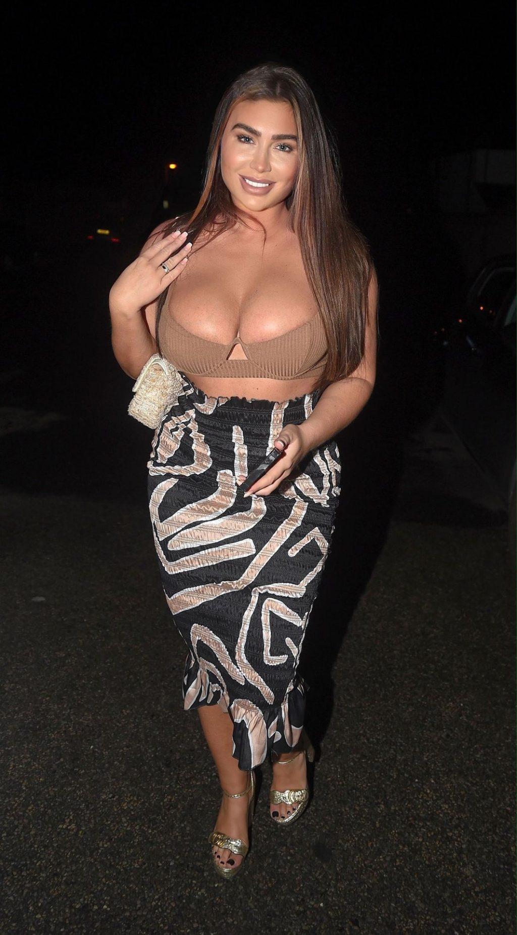 Lauren Goodger Sexy (13 Photos)