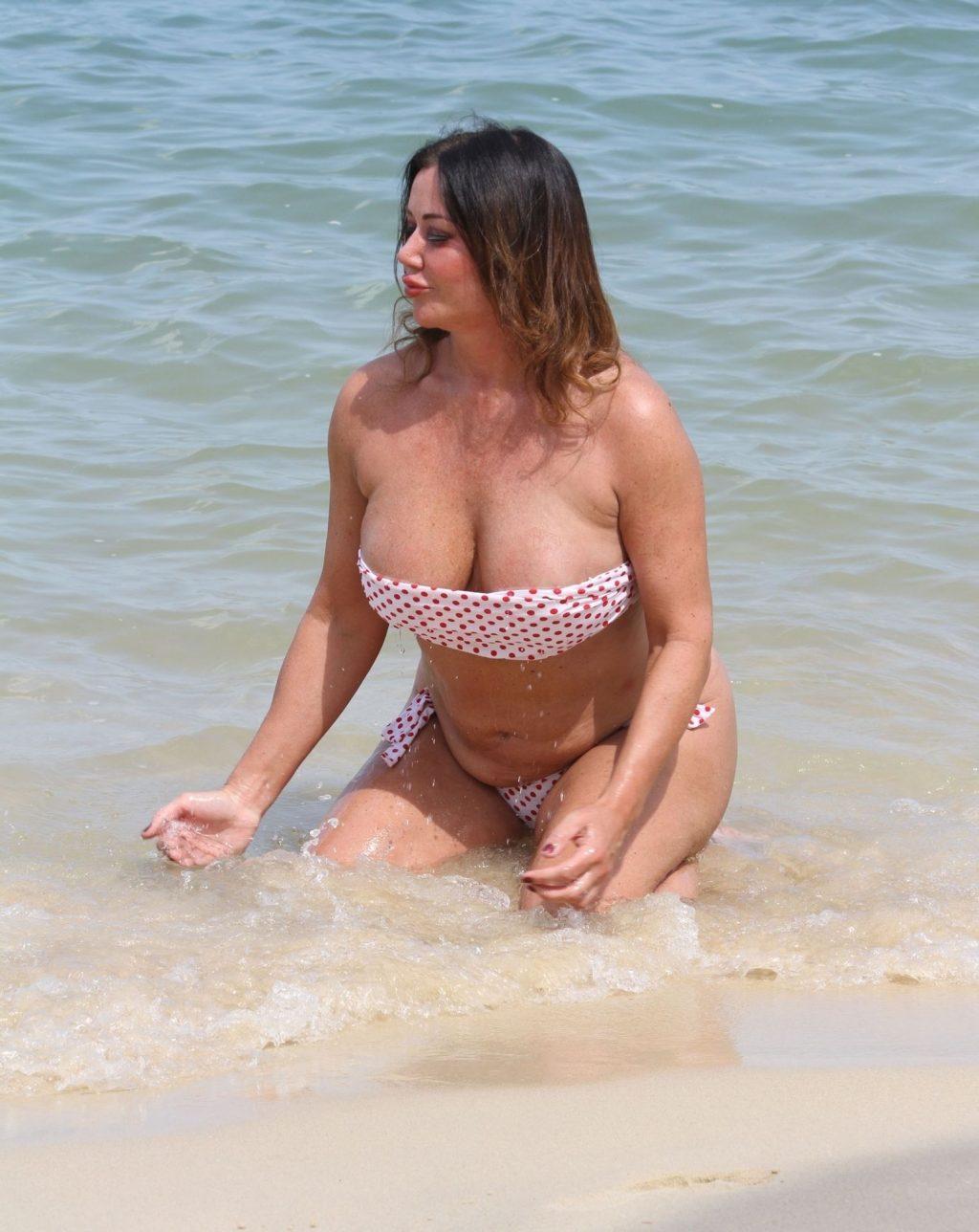 Lisa Appleton Hot & Topless (42 Photos)