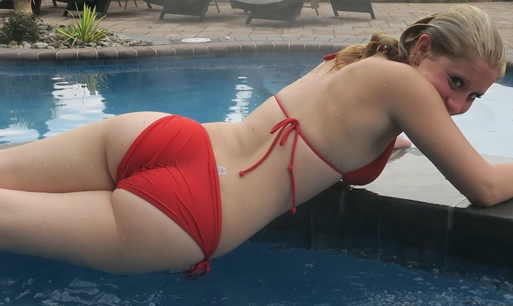 Lizzy Wurst Booty