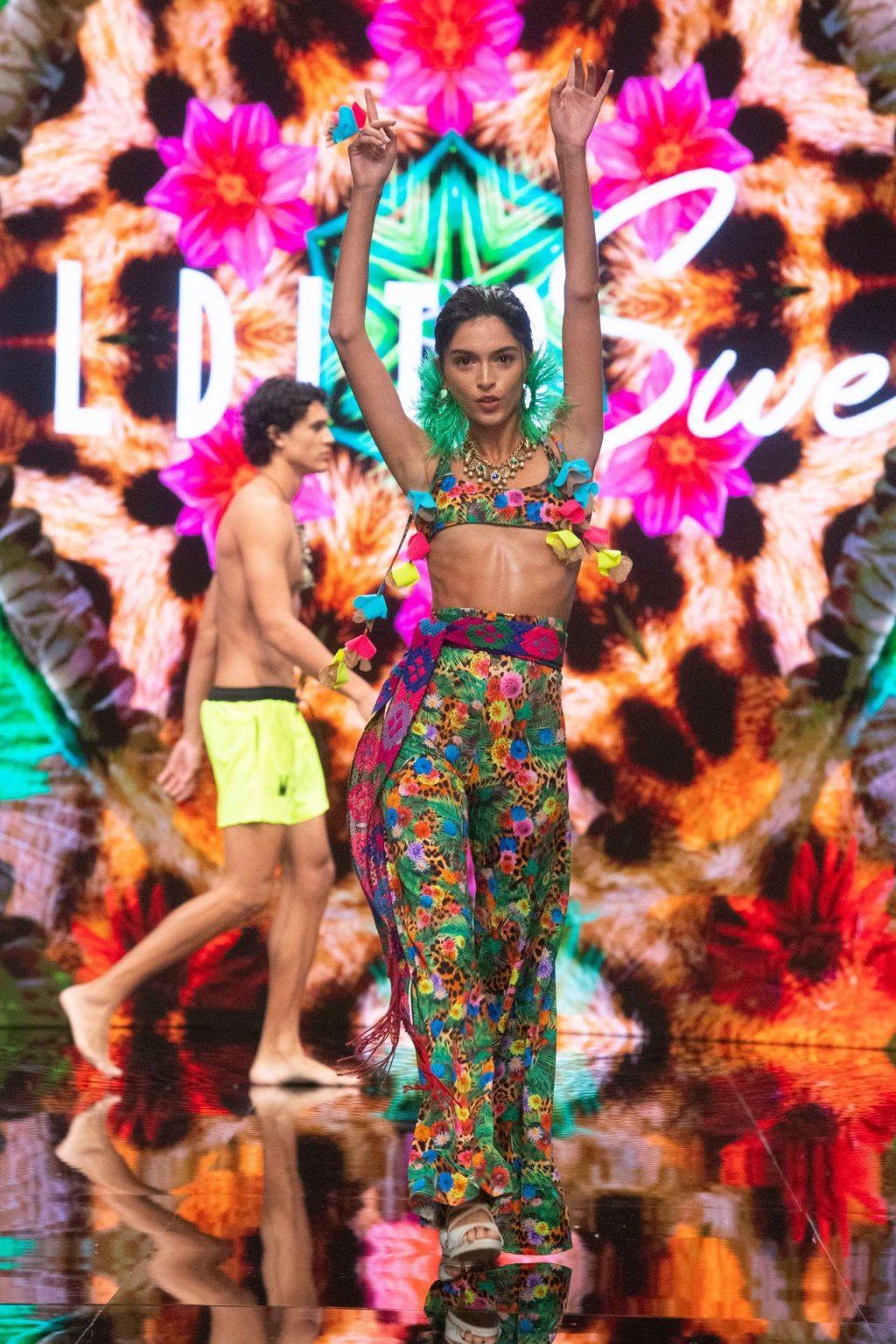 Lucia Rivera Sexy (63 Photos)
