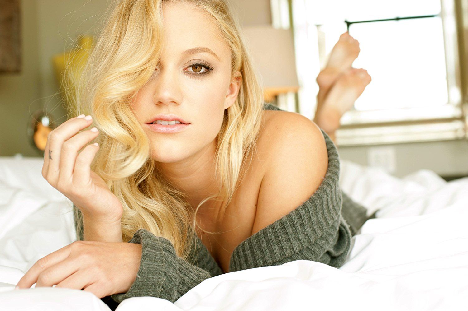 Maika Monroe Nude Photos and Videos | #TheFappening