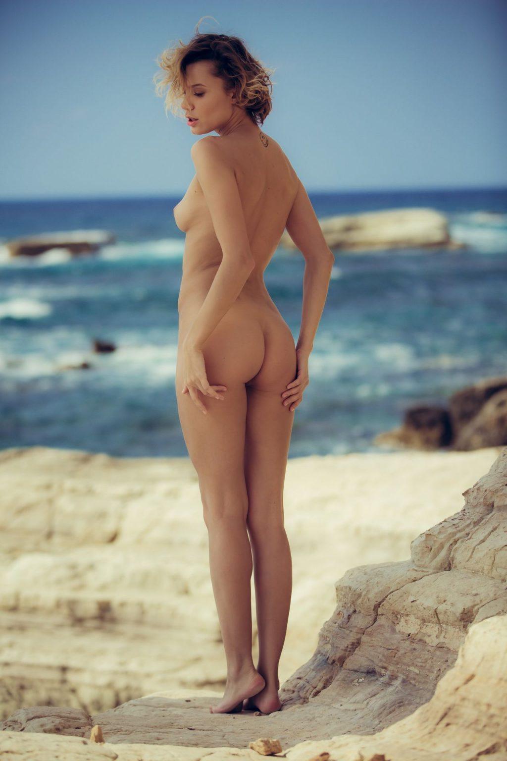 Oksana Chucha Nude – Seacoast Smiles (40 Photos + GIFs ...