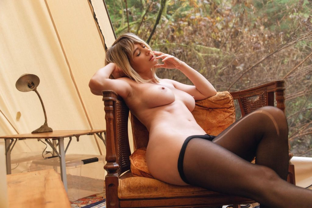 Sara Jean Underwood (7 Nude Photos)