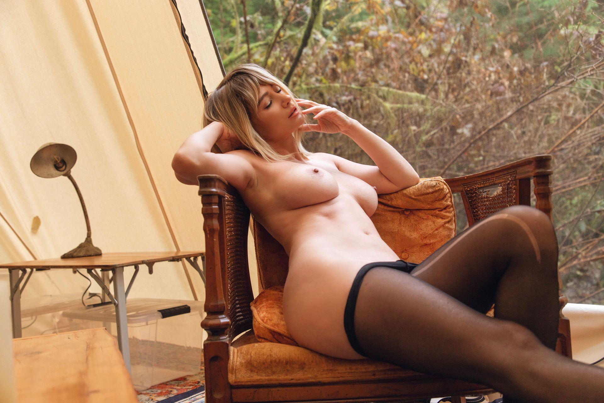 Nude pics ebony girls