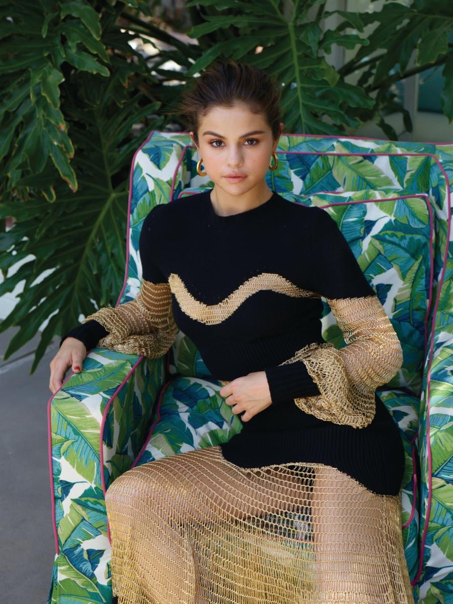 Selena Gomez Sexy (110 Photos + Videos)