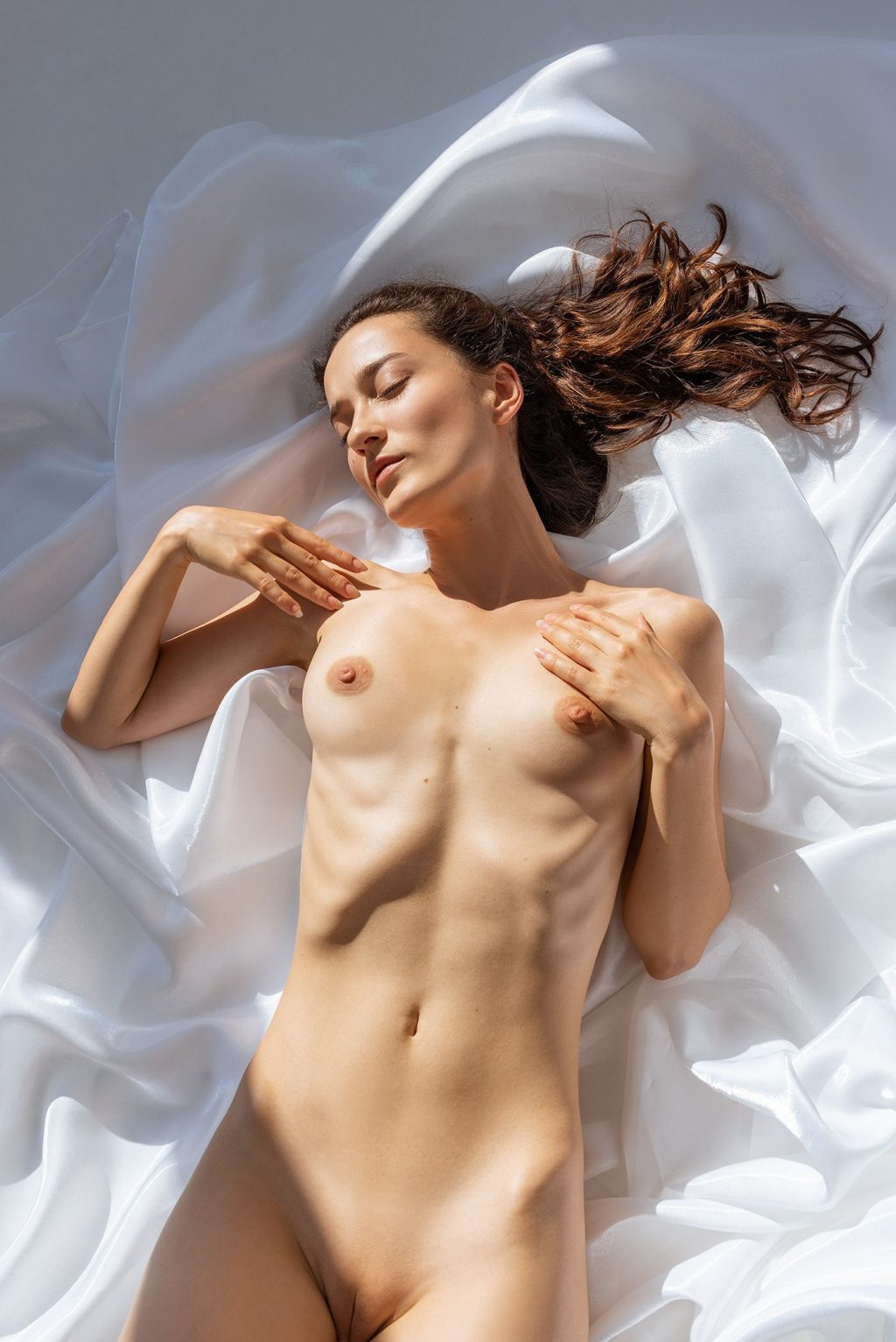 Sofi Ka Nude (6 Photos)