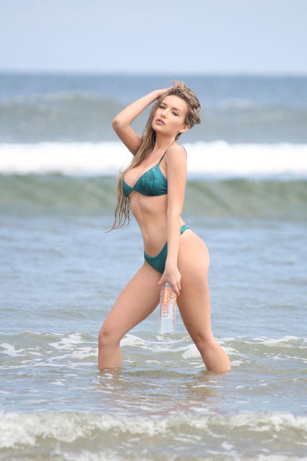 Trista Mikail Sexy (33 Photos)