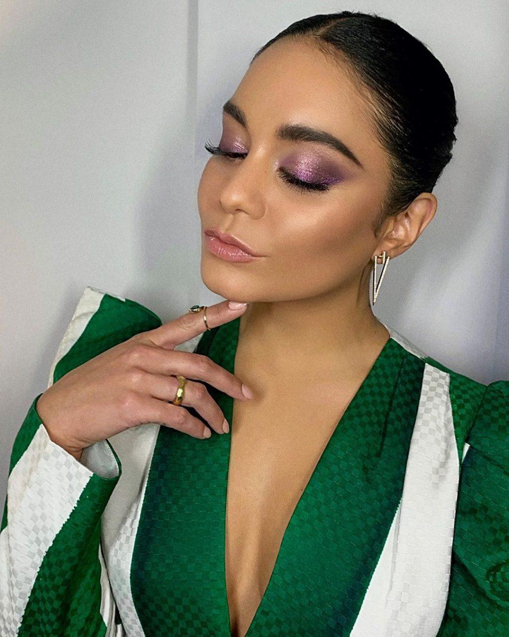 Vanessa Hudgens Sexy (91 Photos + Videos)