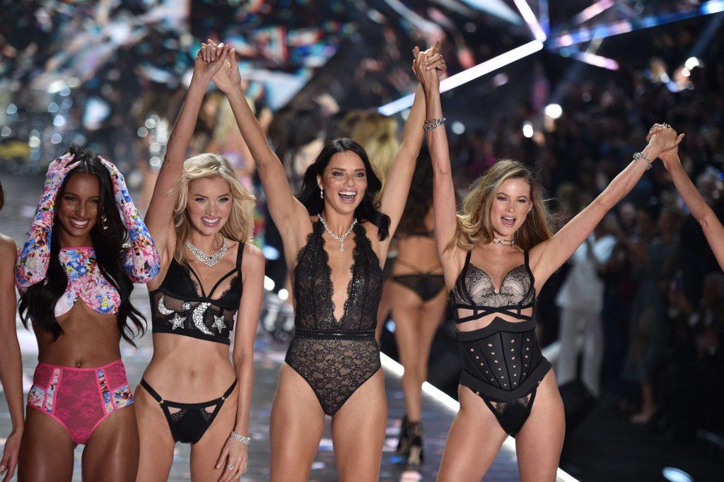 Victoria's Secret Cancels Must-See Fashion Show (18 Photos)