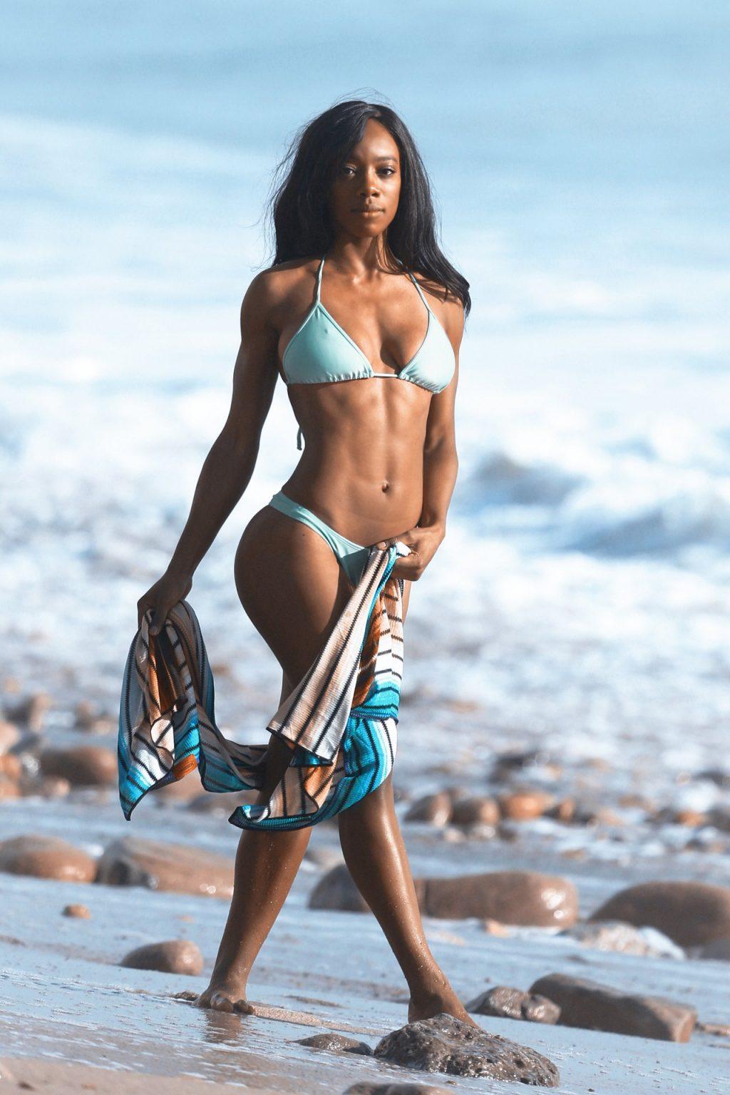 Adrianne Nina Sexy (51 Photos)