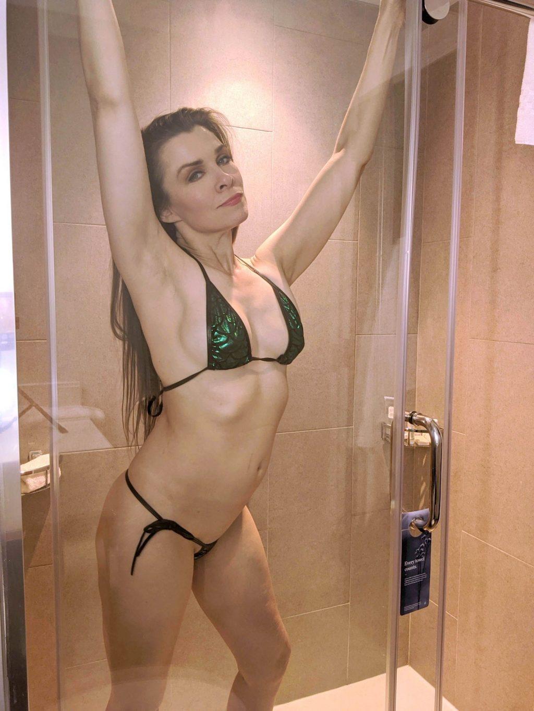 Alicia Arden Sexy & Topless (24 Photos)