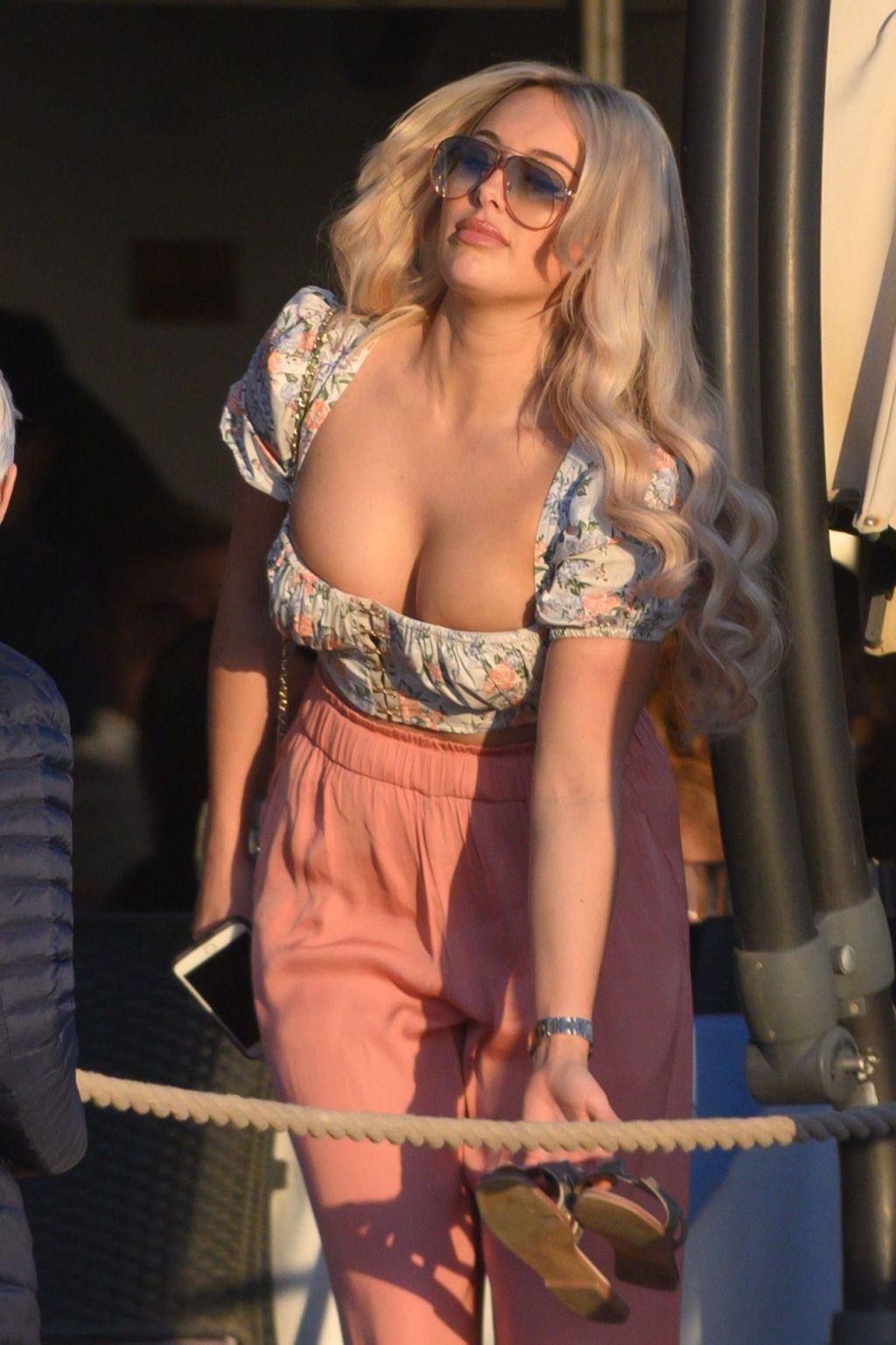 Amber Turner Sexy (21 Photos + Video)