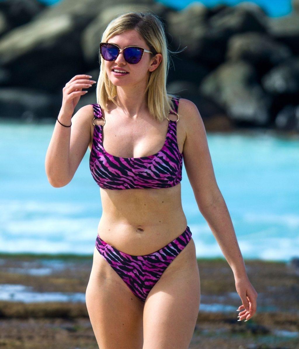 Amy Hart Sexy (57 Photos)