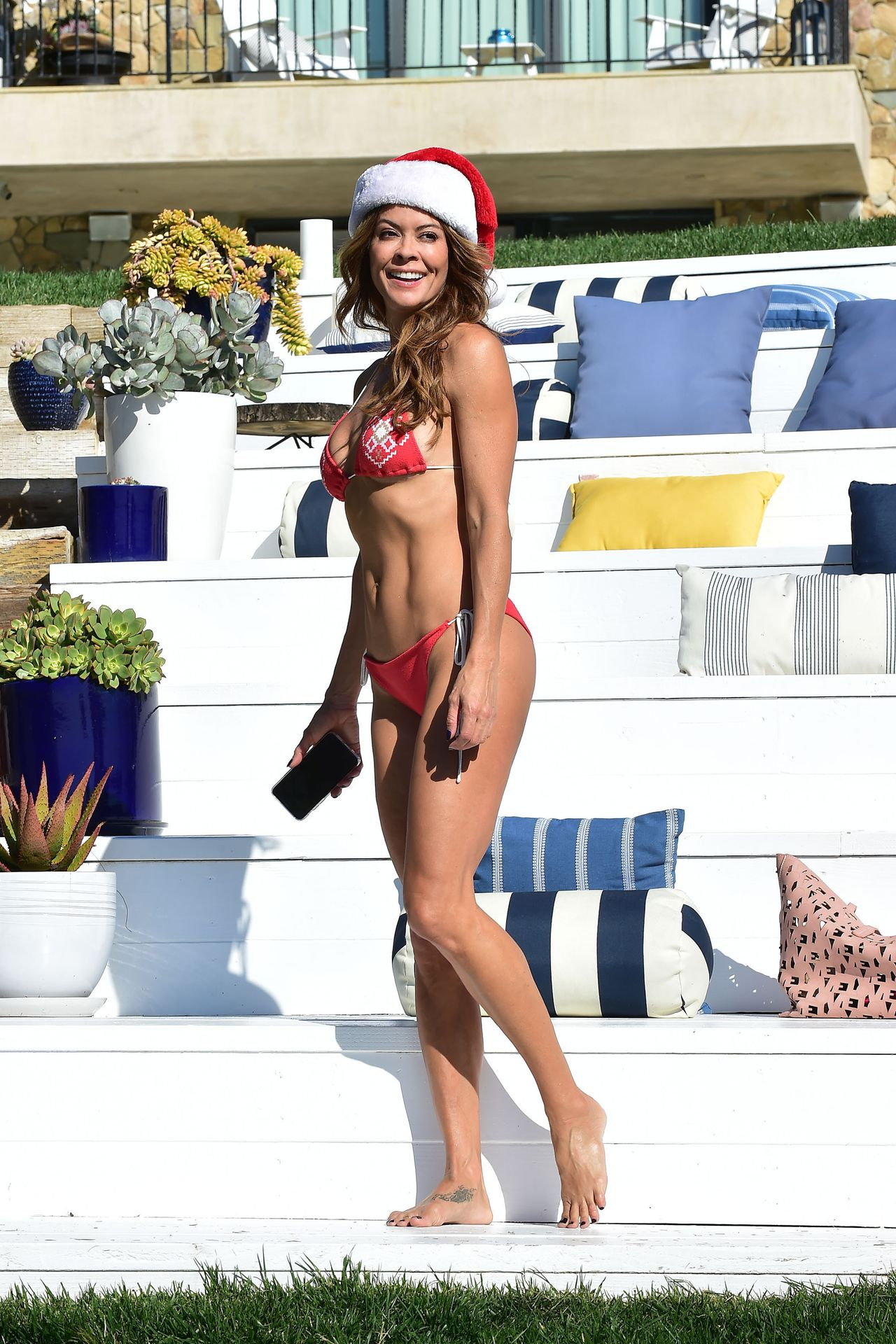 Brooke Burke is getting ready for Christmas in Malibu, 12/24/2019.