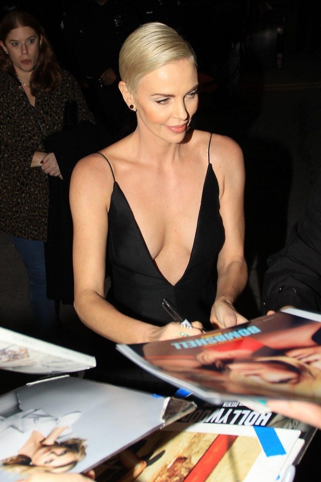 Charlize Theron Sexy (53 Photos)