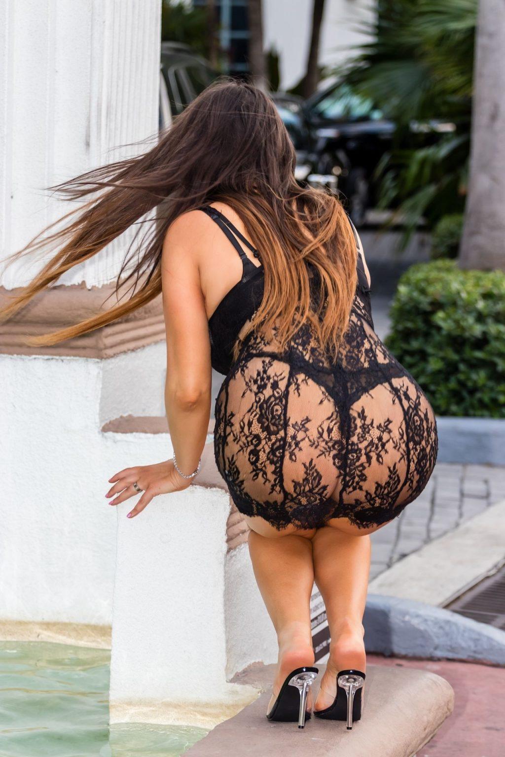 Claudia Romani (13 Hot Photos)