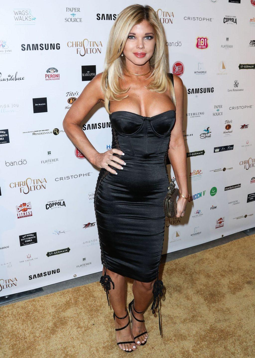 Donna D'Errico Sexy (28 Photos)
