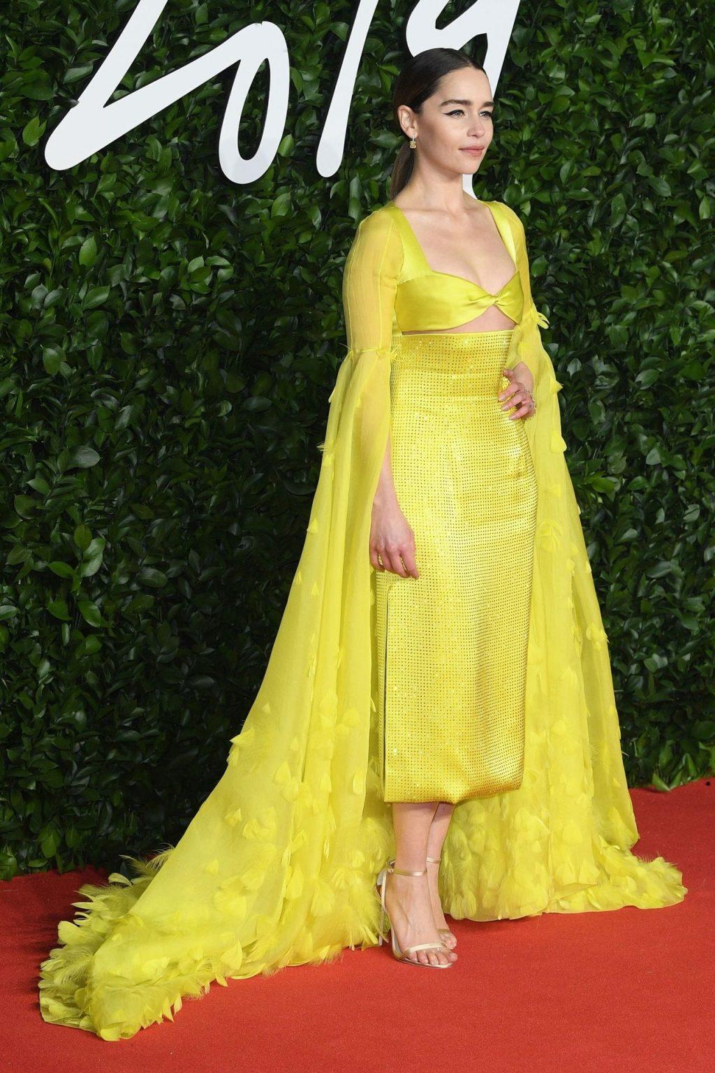 Emilia Clarke Sexy (24 Photos)