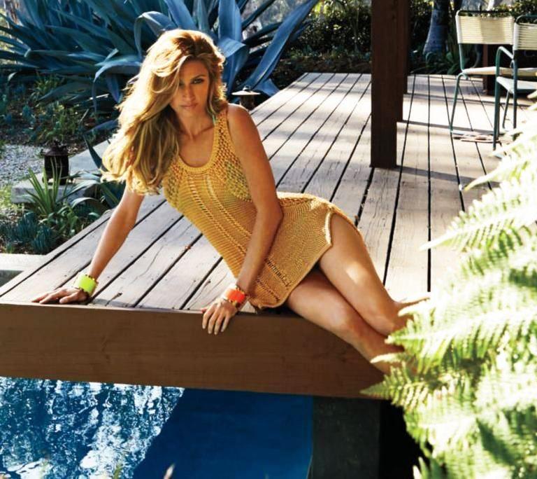 Erin Andrews Nude & Sexy (145 Photos + Video)