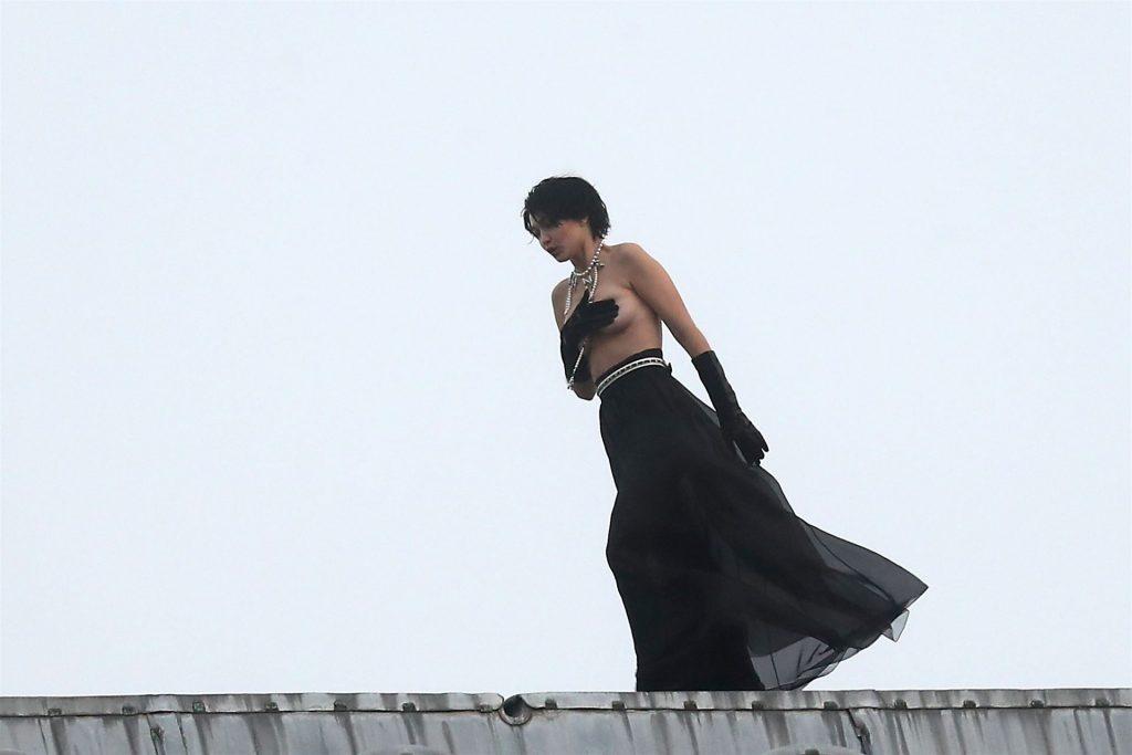 Gigi Hadid Topless (91 Photos)