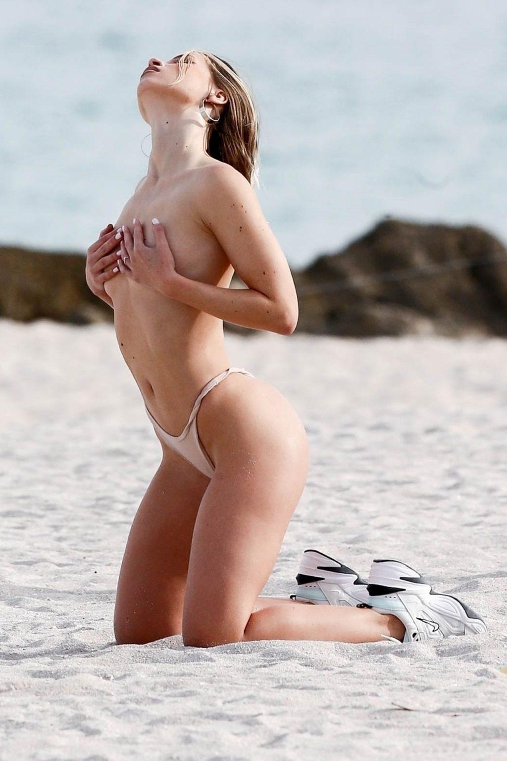 Jane Soul Topless (45 Photos)