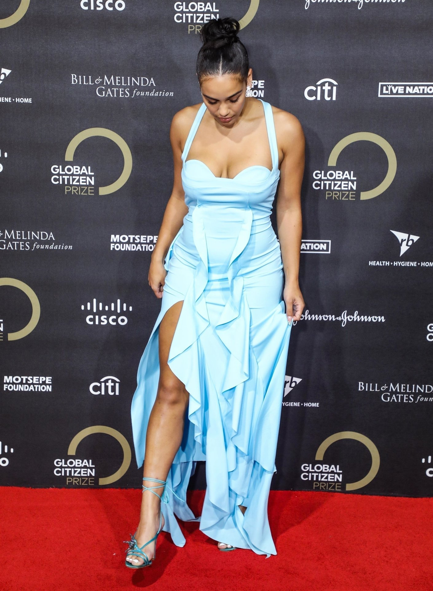 Jorja Smith attends the Global Citizen Prize at the Royal Albert Hall in London, 12/13/2019.
