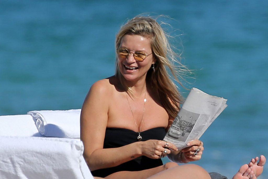 Kate Moss Hot (45 Photos)