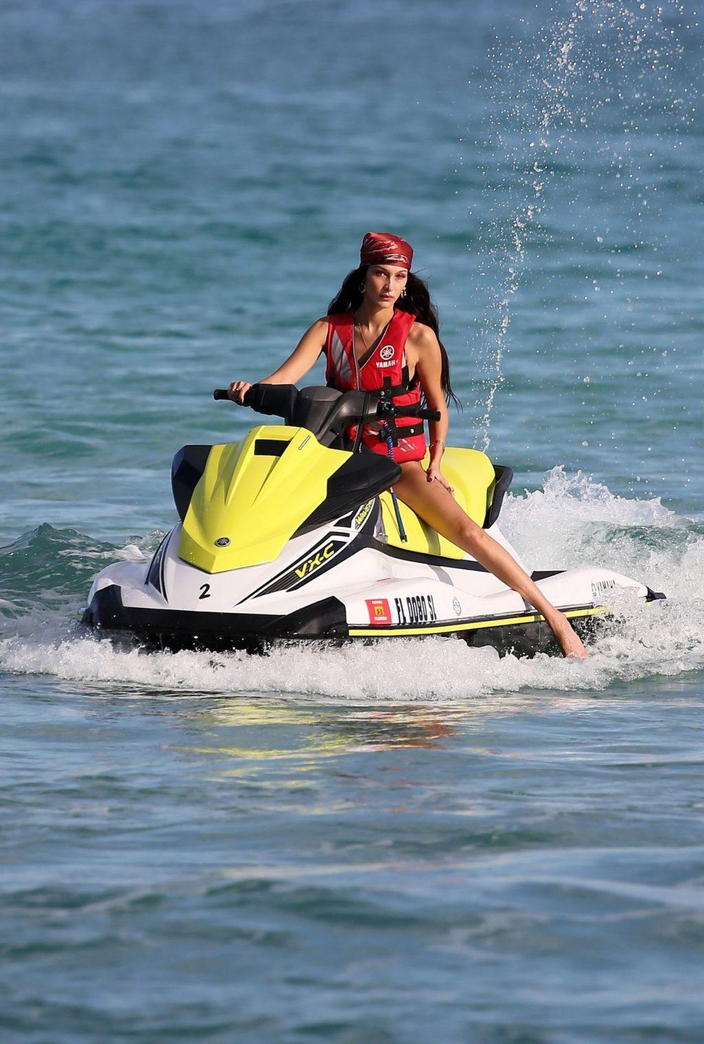 Kendall Jenner Bella Hadid Sexy (253 Photos)