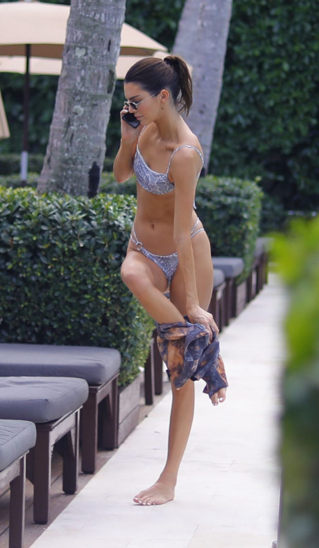 Kendall Jenner Sexy (50 Photos)