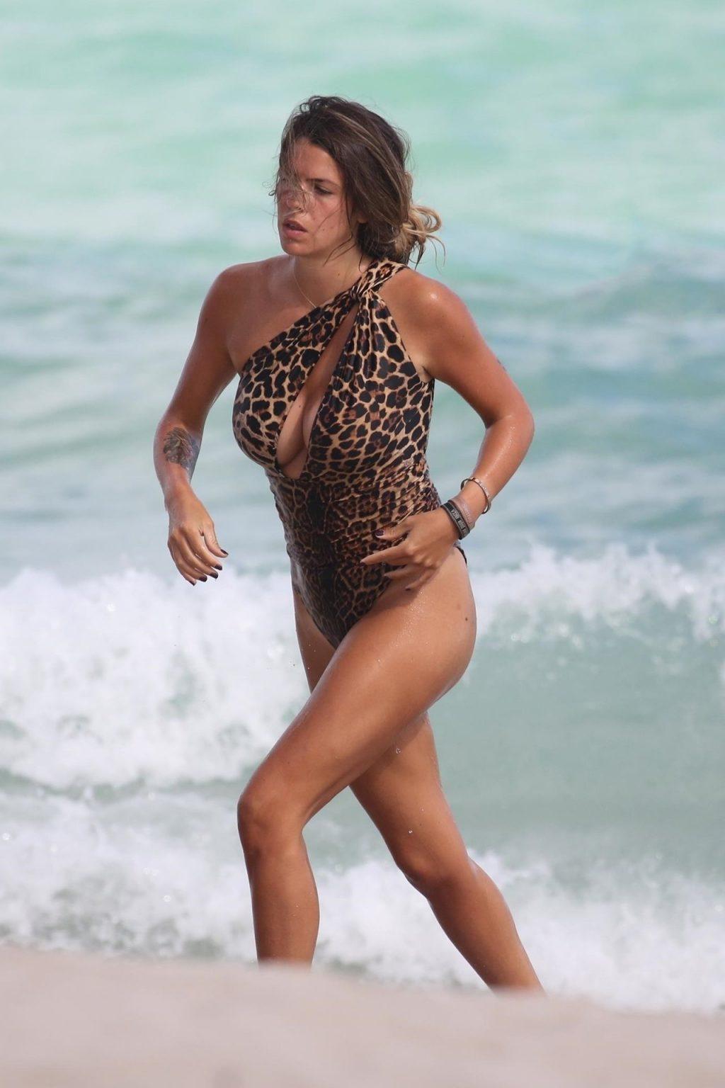 Laura Matamoros Sexy (60 Photos)