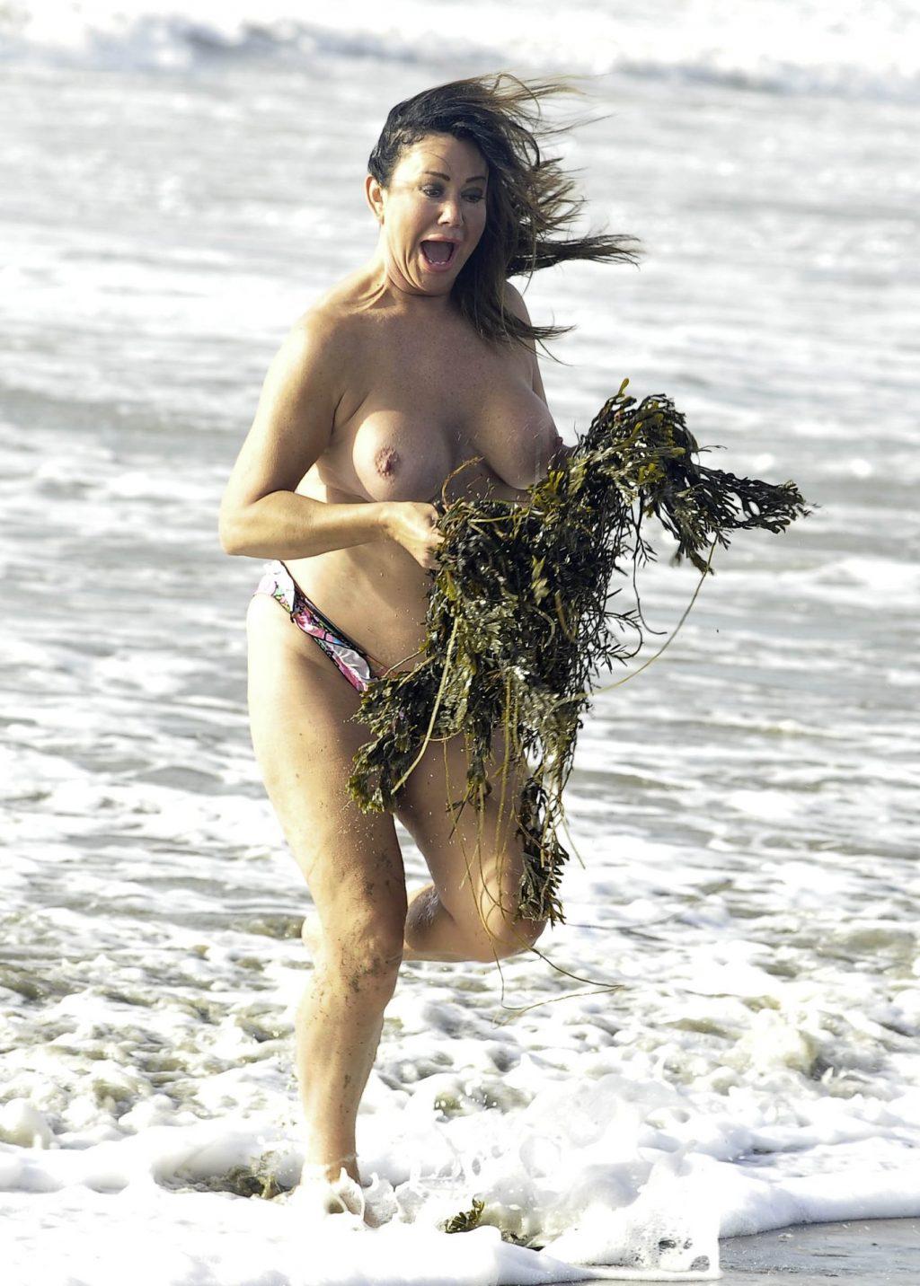 Lisa Appleton Topless (15 Photos)