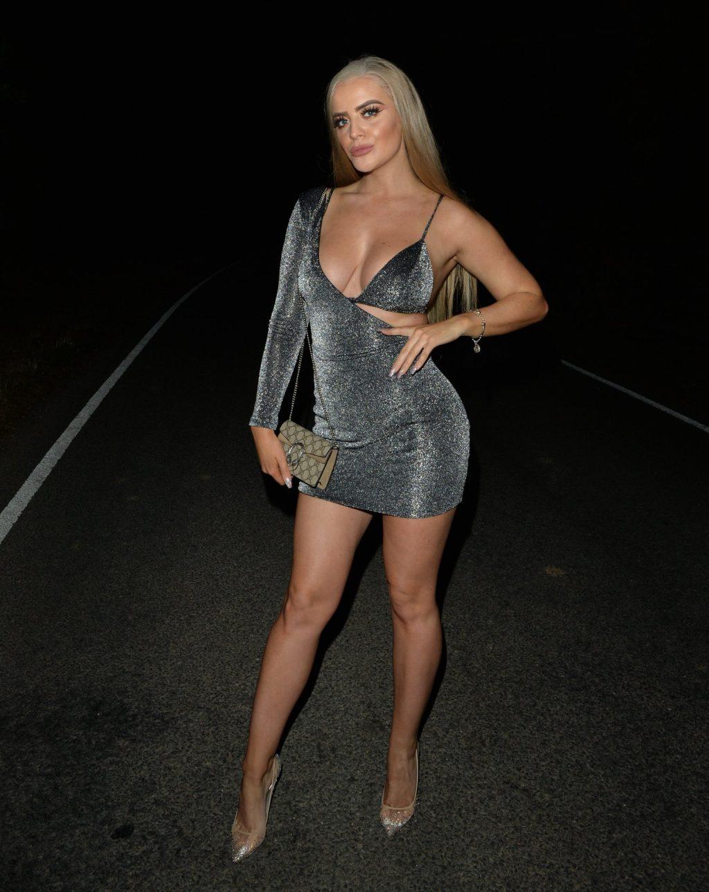 Megan Clark Sexy (14 Photos)