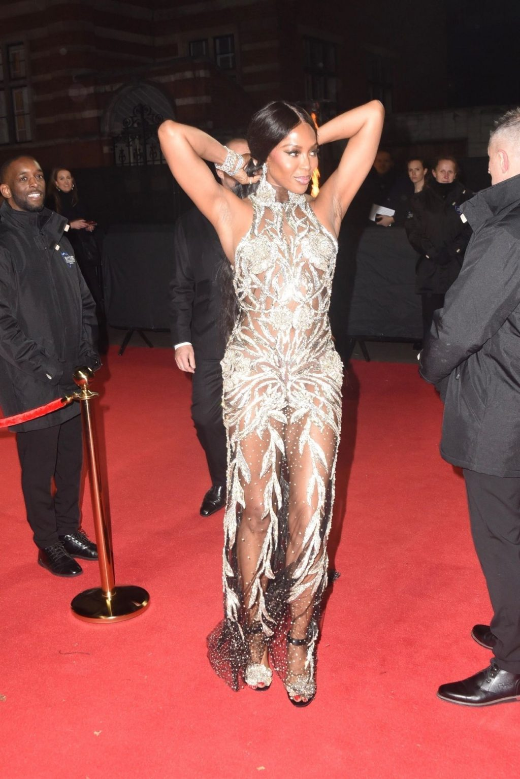 Naomi Campbell Sexy (8 Photos)