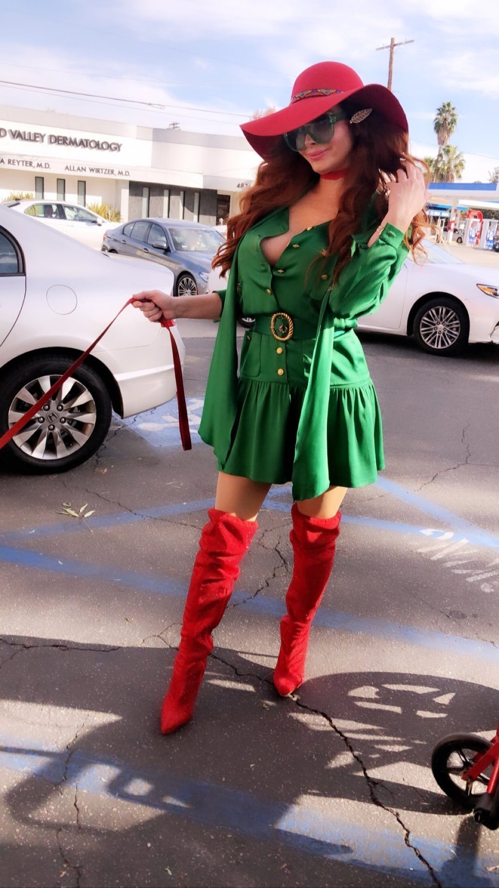 Phoebe Price Sexy (43 Photos + Video)